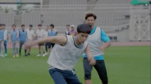 This ain't Running Man, Kim Jong Kook!